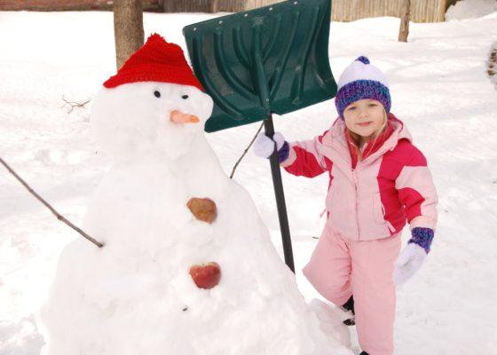 Eva and a Snowman