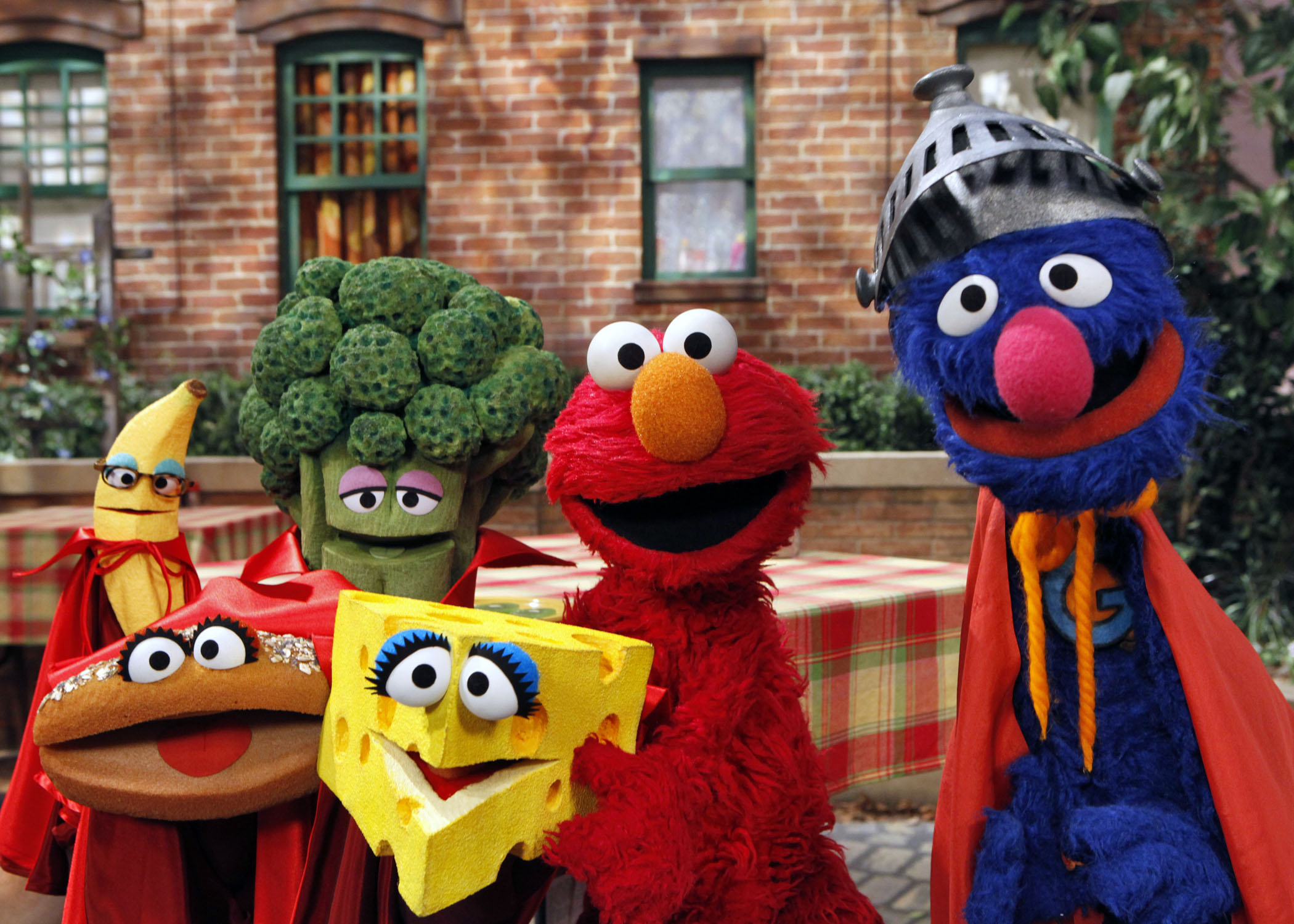 Grover and Elmo with Super Foods Richard Termine 2010