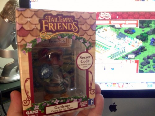 The Tail Towns Friends Figurine box