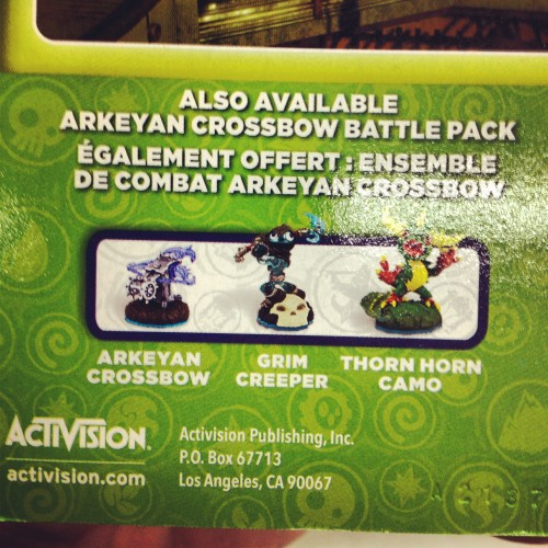 Arkeyan Crossbow Battle Pack with Grim Creeper and Thorn Horn Camo