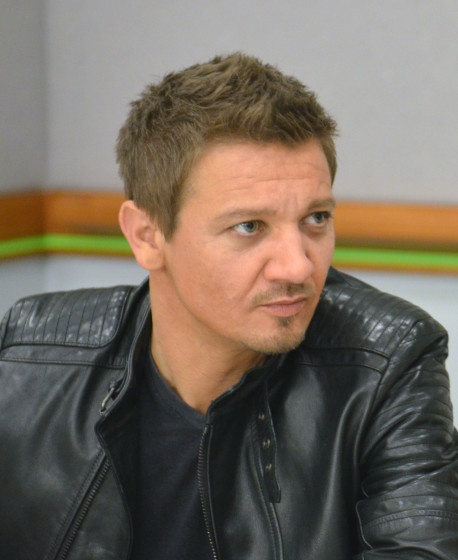 Jeremy Renner - Photo Credit Jana Seitzer / MerlotMommy.com