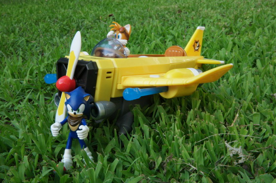 Tails' Plane and Sonic