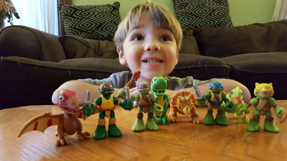 Teenage Mutant Ninja Turtles Half-Sell Heroes and Dinos
