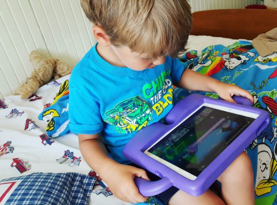 Holding an iPad is super easy with an iGuy
