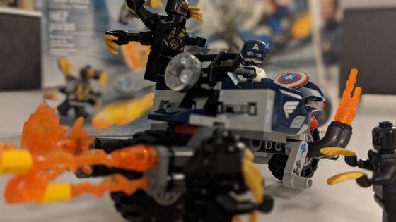 Captain America vs Outriders